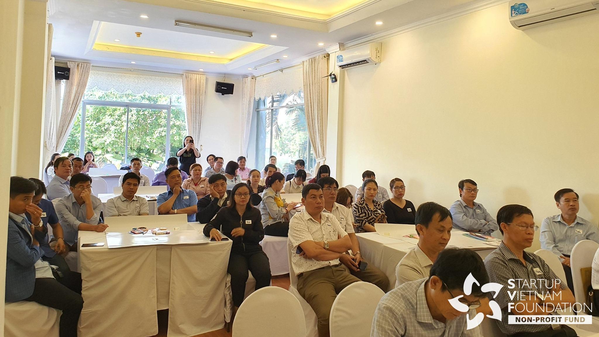 40 đại diện các Sở, Ban ngành, UBND các huyện, thành phố và Doanh nghiệp tỉnh Kon Tum hoàn thành chương trình đào tạo về kỹ năng khởi nghiệp do SVF tổ chức